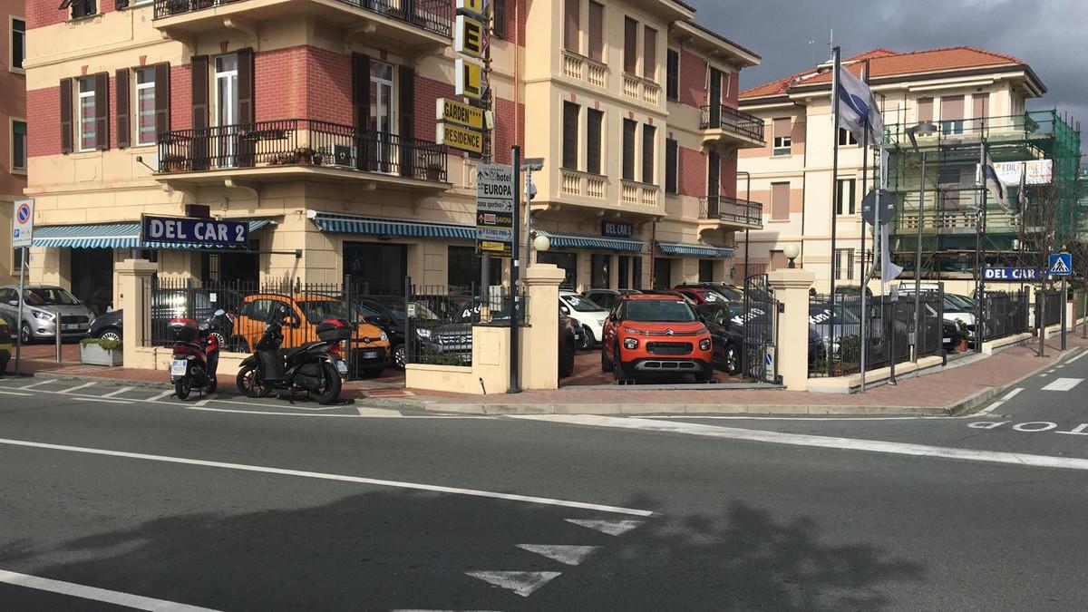 Foto di Nuova Del Car 2