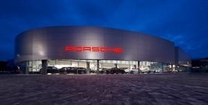 Foto di Centro Porsche Como – Techno Motori srl
