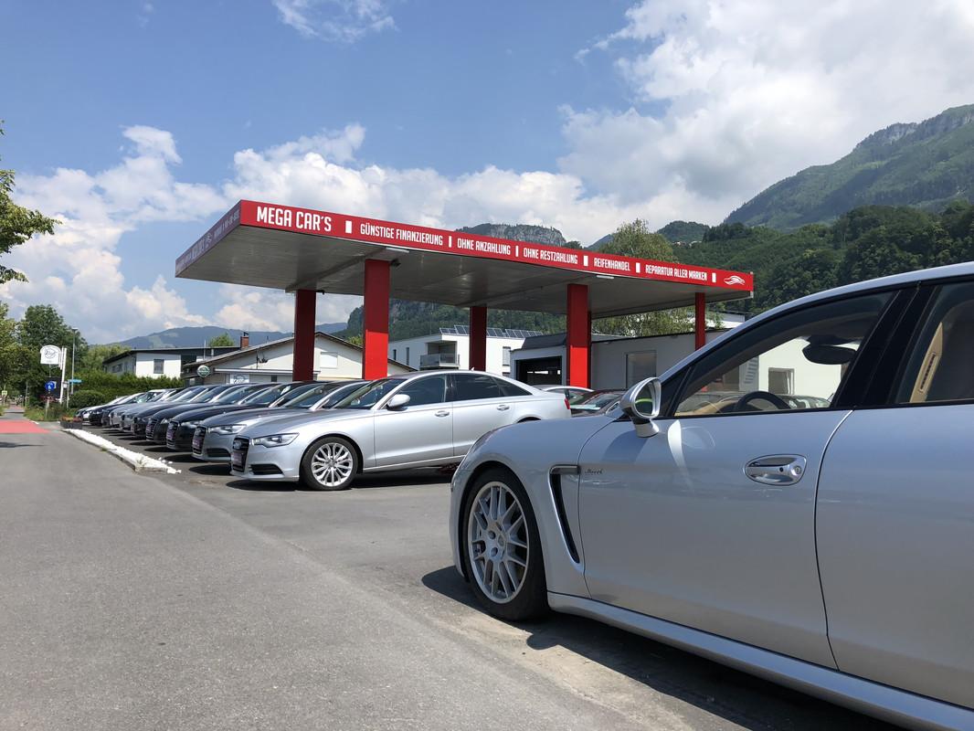 Foto von Mega Cars