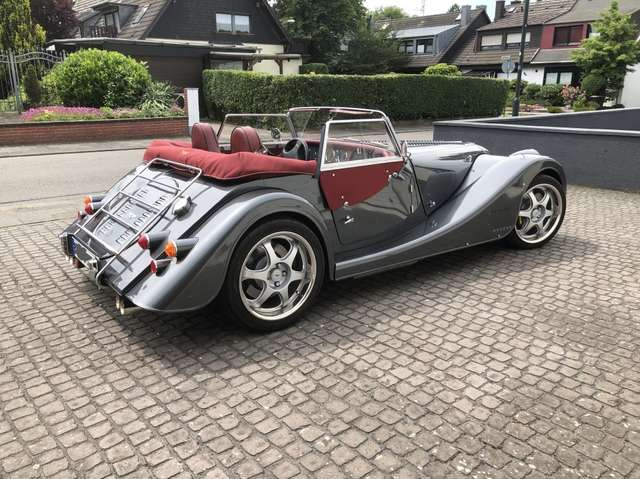 Morgan Plus 8 4.8 , man. gearbox, 1st owner, low mileage