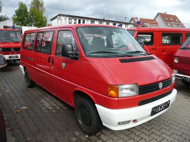 Volkswagen T4 Caravelle T4 Syncro Kombi / Caravelle * langer Radstand *