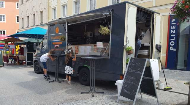 Mercedes-Benz 308 Foodtruck