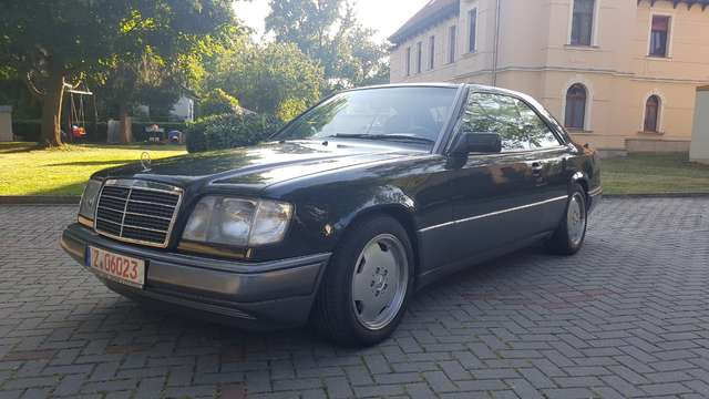 Mercedes-Benz E 320 Coupe orig. Km Top Zustand AMG Leder SSD