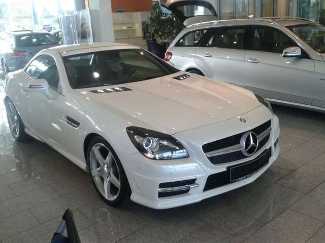 Mercedes-Benz SLK 350 BlueEFFICIENCY 7G-TRONIC Edition 1