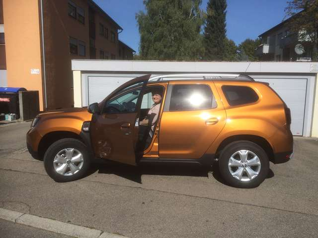 Dacia Duster TCe 125 4WD Comfort fast Vollausstattung!