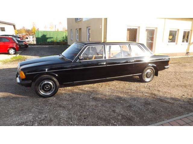 Mercedes-Benz 240 D W 123 Langversion 8 Sitzer