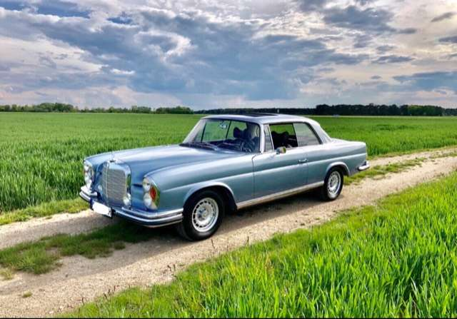 Mercedes-Benz 250 SE Coupé W111