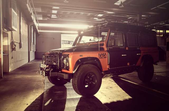 Land Rover Defender 110 DPF Station Wagon Adventure Special Edition