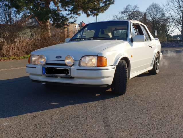 Ford Escort XR3i MK4 Cabrio All White Oldtimer