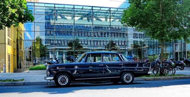 Mercedes-Benz 200 Heckflosse D 200 Automatic