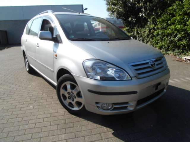 Toyota Avensis Verso linea sol