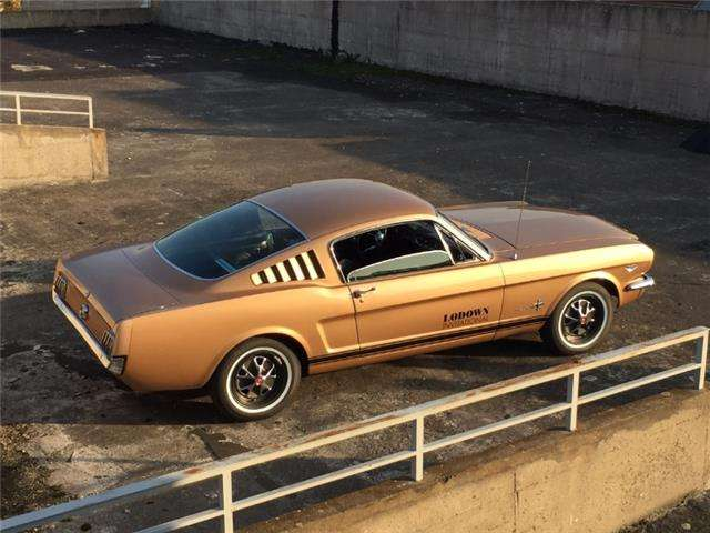 Ford Mustang 2+2 fastback 289