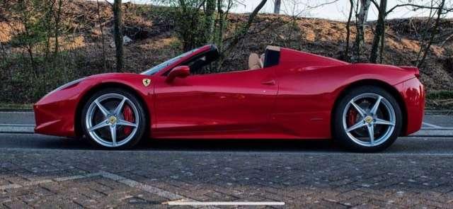 ferrari 458 carbon-led-7-ans-service-ferrari rouge