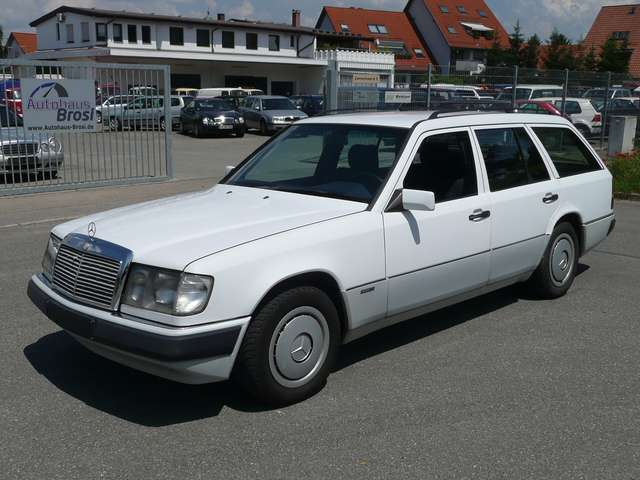 mercedes-benz 300 300-tdt-turbo-kombi blanc