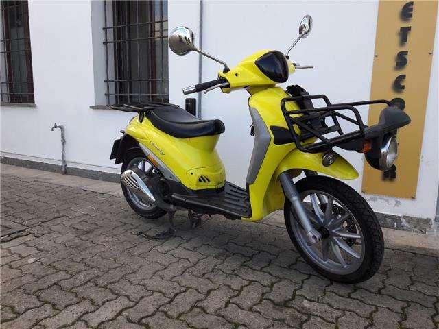 piaggio liberty-125 piaggio-liberty-delivery-125-anno-2012-2v giallo