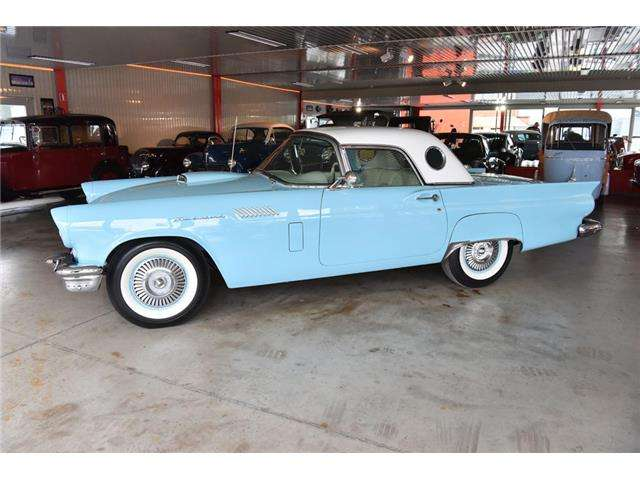 ford thunderbird 1957-frame-off-restoration blauw