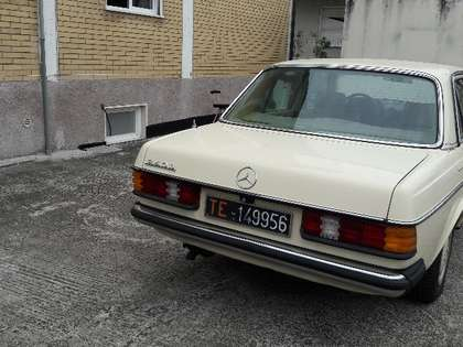 Find Beige Mercedes-Benz 240 for sale - AutoScout24