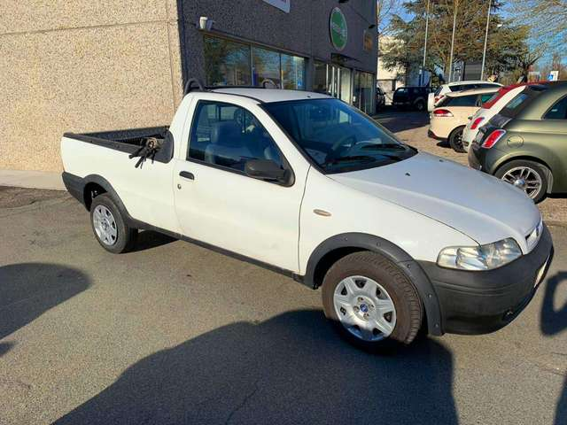 fiat strada 1-9-jtd-pick-up-unico-proprietario-con-clima bianco