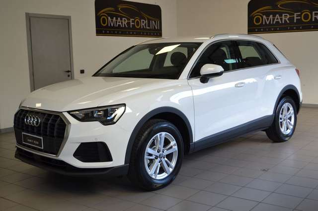 audi q3 nuova-35tfsi-s-tr-business-adv-radar-fullsconto25 weiss
