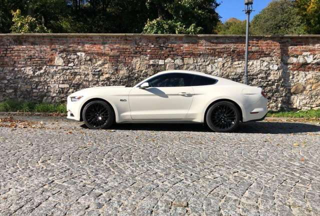 ford mustang 5-0-ti-vct-v8-aut-gt weiss