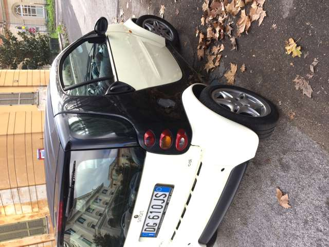 smart fortwo 800-33-kw-coupe-pure-cdi beige