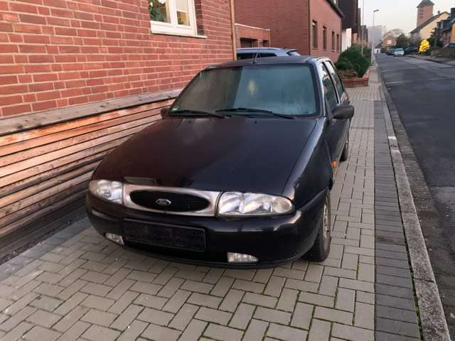 ford fiesta ghia black