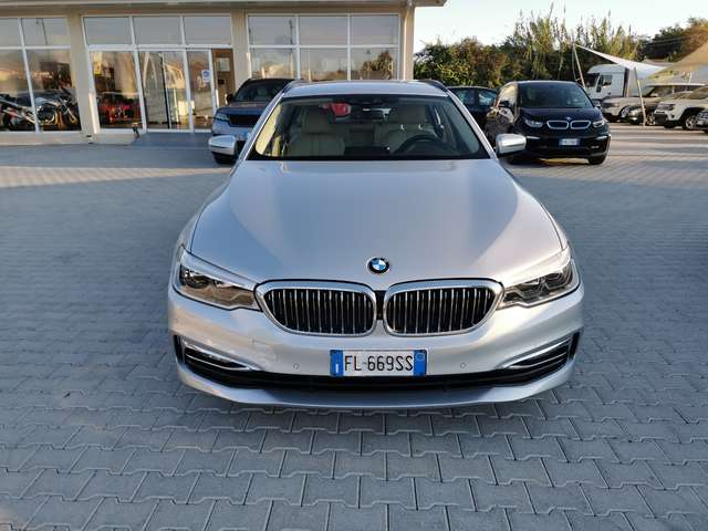 bmw 530 serie-5-xdrive-touring-luxury grigio