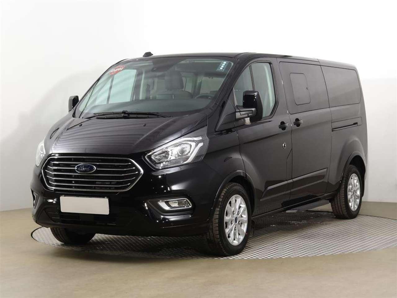 Ford Tourneo Custom 320 L2H1 Titanium NAVI GARANTIE 01/2026 od 200tkm