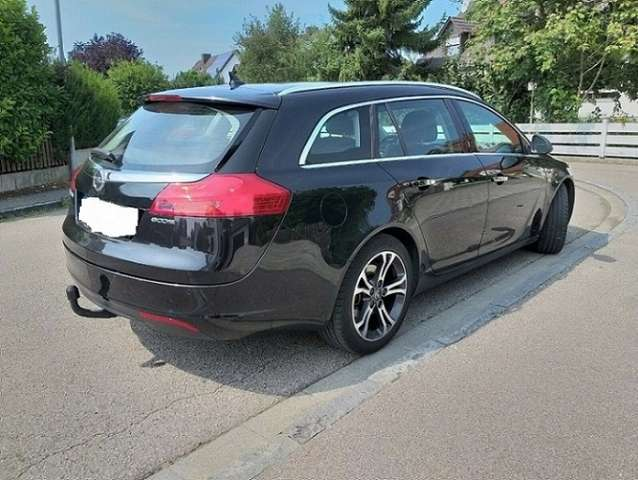 opel insignia 2-0-cdti-sports-tourer-edition schwarz