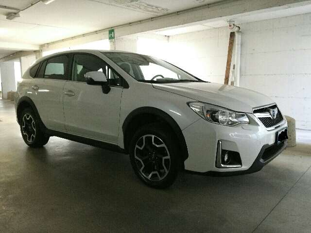 subaru xv 2-0i-bi-fuel-lineartronic-unlimited bianco