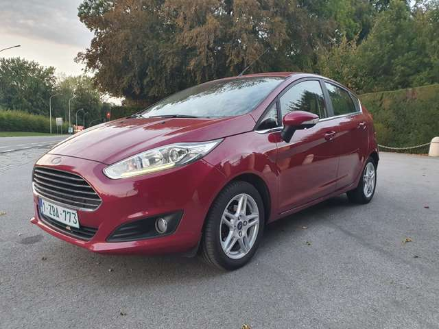 ford fiesta rood