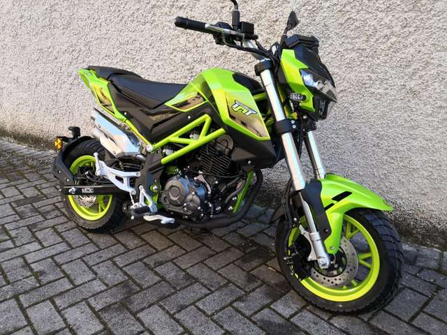 benelli tnt-125 limited verde