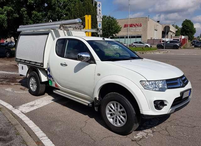 mitsubishi l200 2-5-di-d-178cv-cc-4x4-allestito-officina-mobile bianco