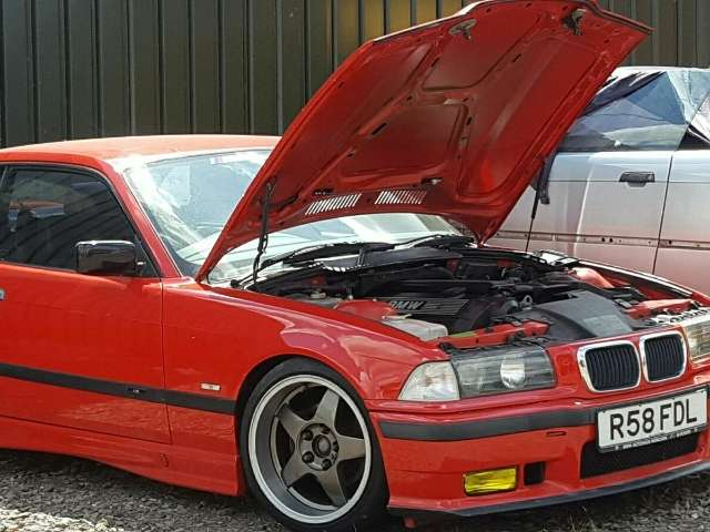 bmw 328 3er-reihe-coupe-e36-coupe-sport-edition rot