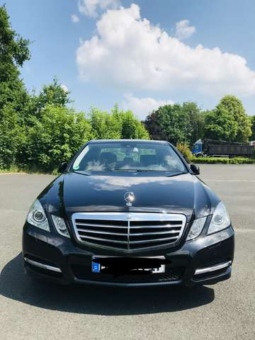 mercedes-benz e-220 cdi-dpf-blueefficiency-automatik-avantgarde schwarz