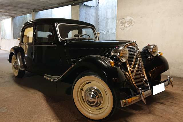 citroen traction 11-bl-completely-restored-with-detailed-invoices nero