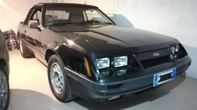 ford mustang cabrio-gt-5-0-v8-manuale nero