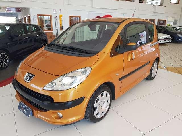 peugeot 1007 1-4-73cv-happy arancione