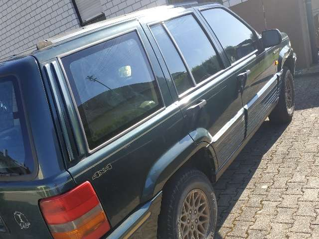 jeep grand-cherokee limited gruen