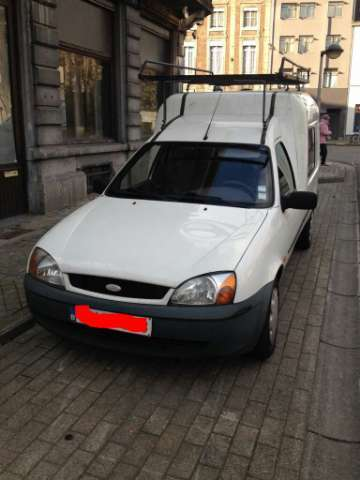 ford courier noir