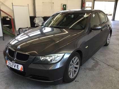 BMW 320 i Lim E90