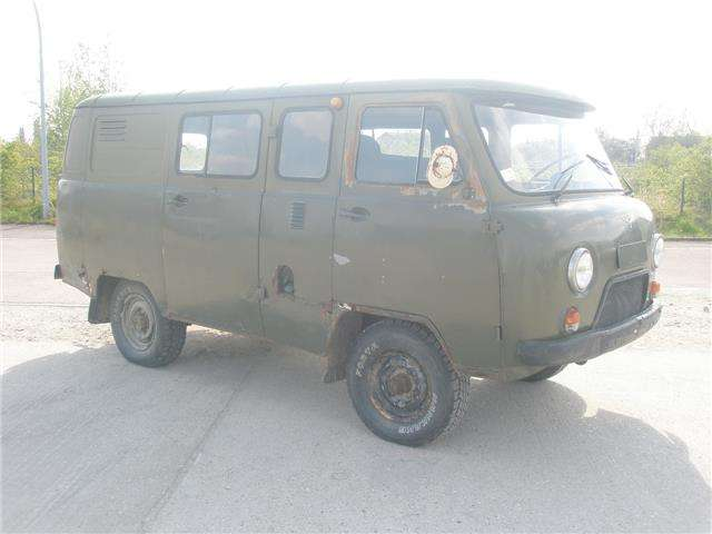 uaz 3909 4x4-uaz-452-buchanka-oldtimer-7-platz gruen
