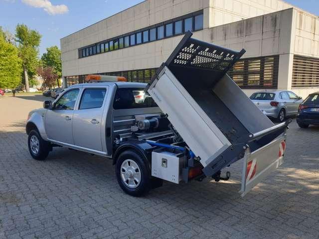 tata xenon 2-2-dc-pick-up-doppia-cabina-ribaltabile-4x4 srebrny