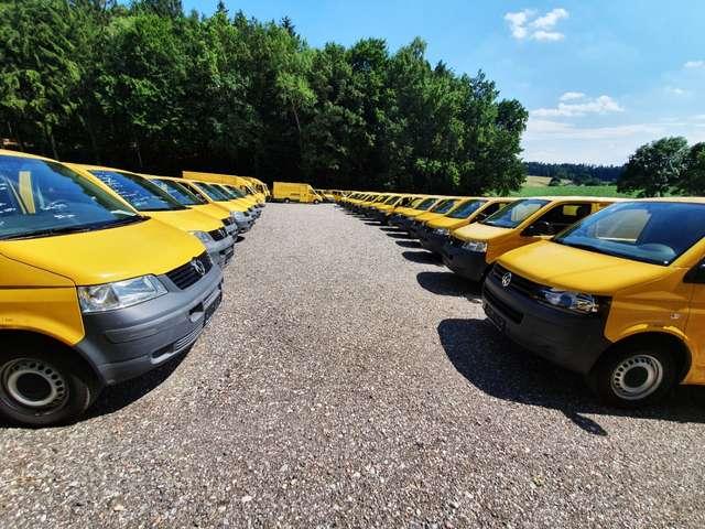 volkswagen t5 t5-1-9tdi-1-hand-scheckheft-2xschiebetuere geel
