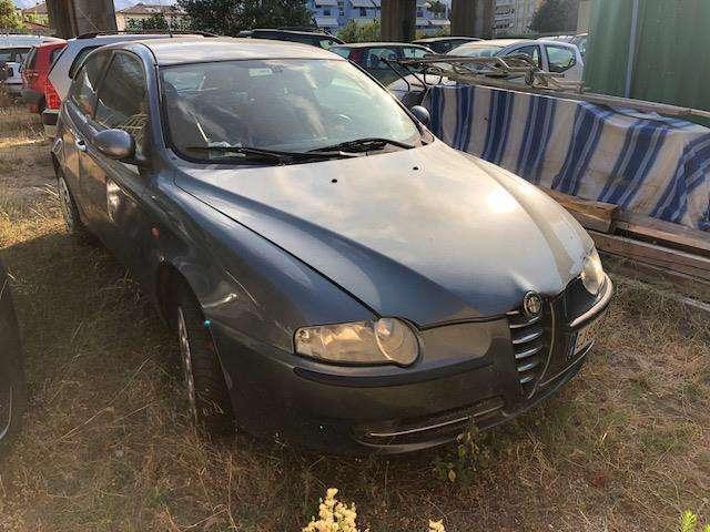 alfa-romeo 147 1-9-jtd-115-cv-cat-5p-distinctive grigio