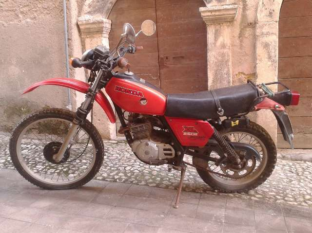 honda xl-250 red