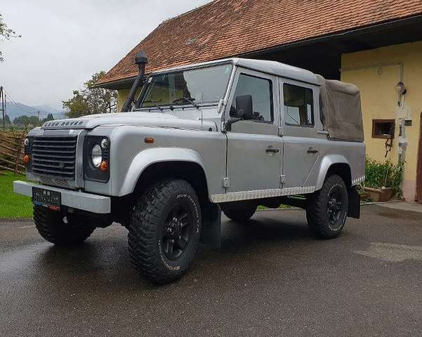 land-rover defender 110-station-wagon-s silber