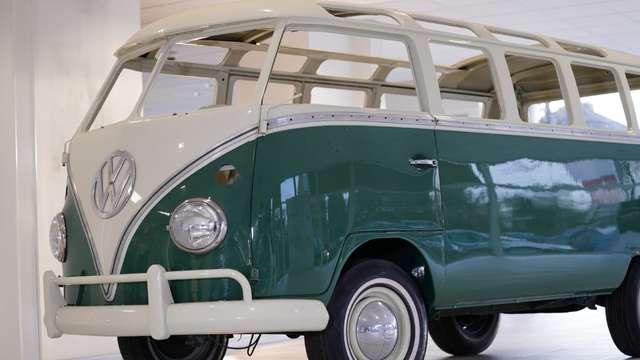 volkswagen t1 samba-21-windows groen