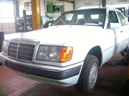 Mercedes-Benz E 300 124 Oldtimer