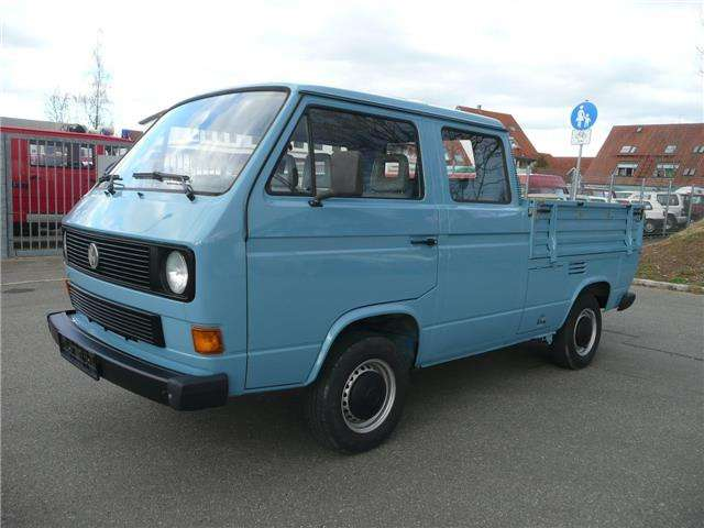 volkswagen t3 transporter in blau oldtimer in n rtingen. Black Bedroom Furniture Sets. Home Design Ideas